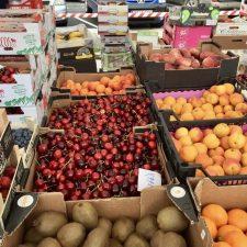 El mercado semanal de los miércoles en Ribadesella podría volver a las restricciones