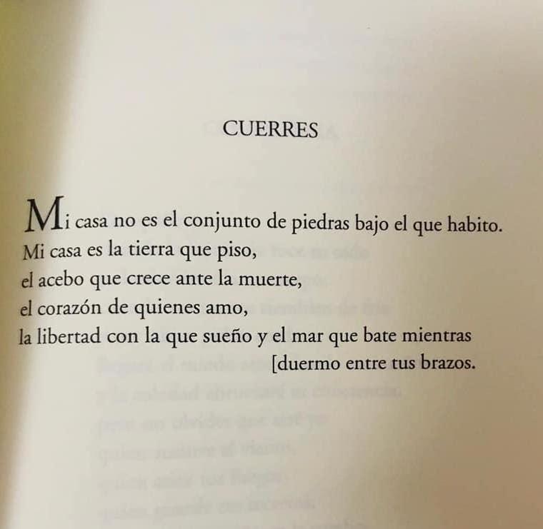 La riosellana Noelia Ordieres dedica unos versos a su pueblo natal, Cuerres, en su primer poemario titulado 'Ladrillos'