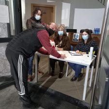 Comienza el reparto de las mascarillas FFP2 entre los empresarios de Ribadesella