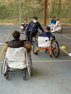 Alumnos del C.P. Reconquista participan en una jornada de deporte adaptado organizada por FEDEMA