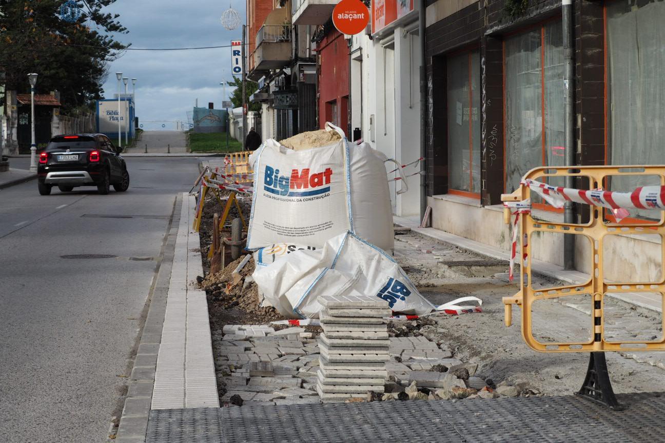 La mejora de la calle Avelina Cerra de Ribadesella incluirá la remodelación de la plaza de El Malecón