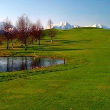 Llanes abre las pistas de tenis de La Encarnación y el campo de golf de La Cuesta