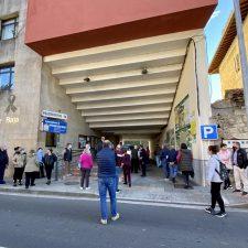 El Ayuntamiento de Peñamellera Baja entregará ayudas directas de 500 euros a hosteleros y comerciantes