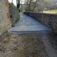 El hormigonado del camino de Les Cuevines, en Cuerres, se finalizará a lo largo de los próximos días