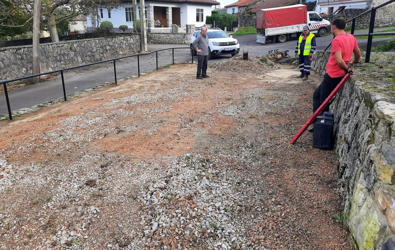 El Ayuntamiento de Llanes rehabilita el lavadero y la bolera de La Borbolla