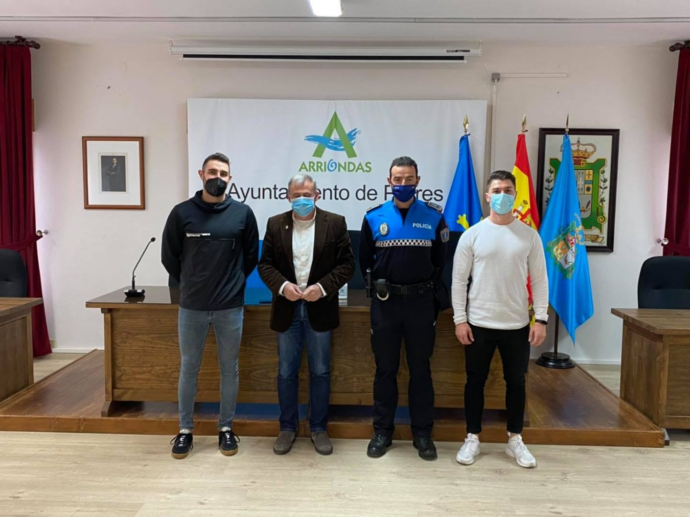 La plantilla de la Policía Local de Parres incorporaba esta semana a dos nuevos agentes