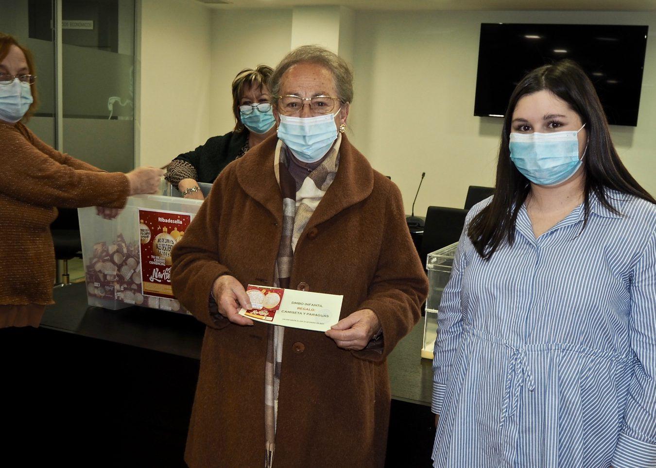 Brezo Suco y Ana Soto ganan los primeros premios de la campaña navideña del comercio riosellano