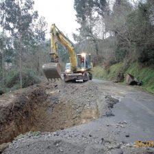 Comienza la reparación del hundimiento en la carretera de Sardalla, la RS-2 de Ribadesella