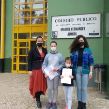 El Colegio Público de Ribadesella felicita a sus jóvenes escritoras recientemente galardonadas