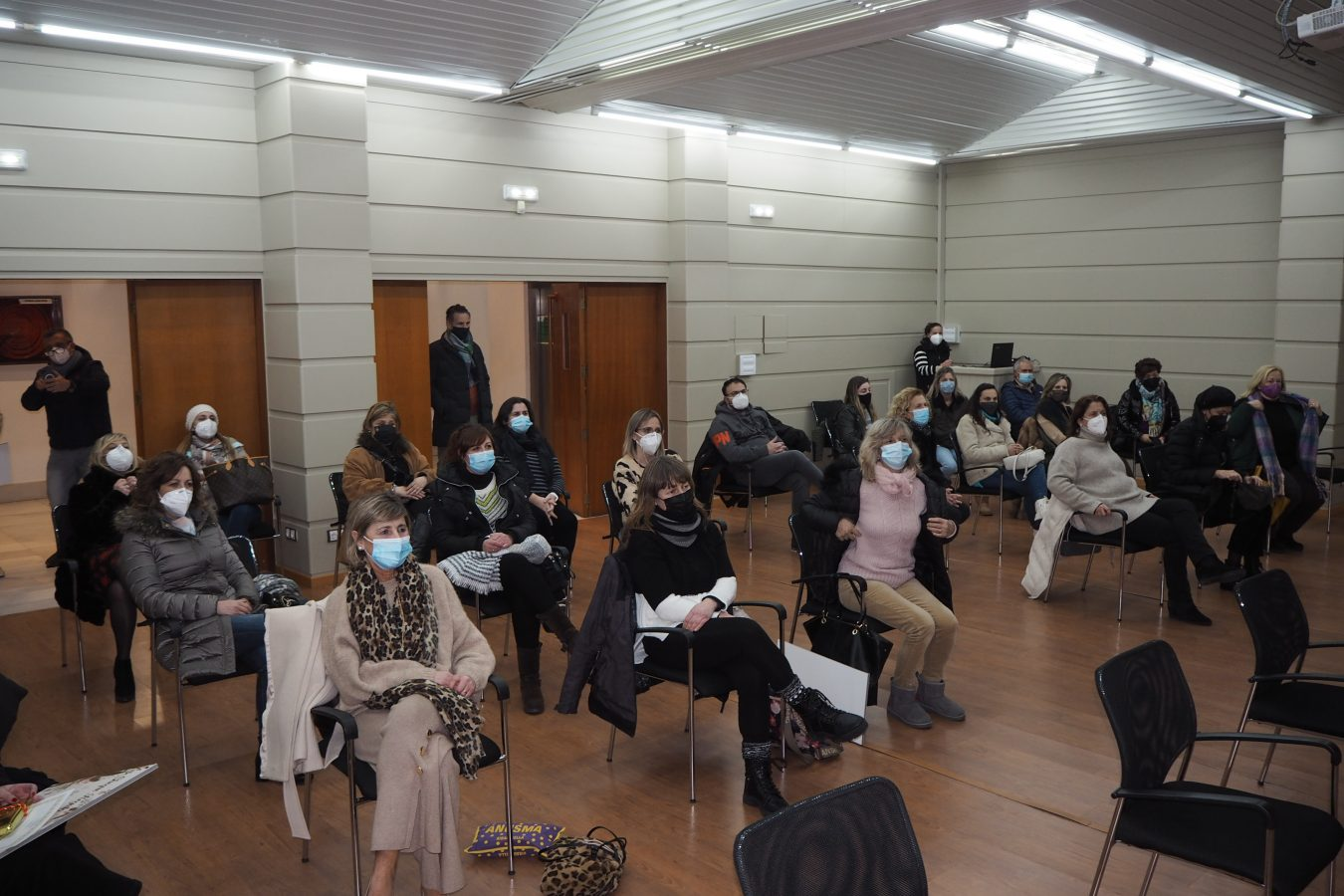 Confitería La Veguina vuelve a ganar el Concurso de Escaparates de Ribadesella