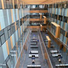 Vuelven a subir los contagios por coronavirus en Asturias, pero bajan los decesos
