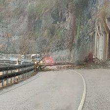 IU Parres exige medidas urgentes en la carretera N-634 para acabar con los desprendimientos y argayos