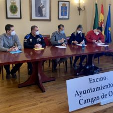 Cangas de Onís y Parres presentan nuevos agentes para sus respectivas Policía Local