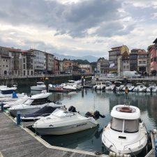 El Club Marítimo de Llanes pide un uso racional de las instalaciones portuarias, compuerta incluida