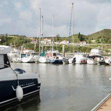 Ribadesella propone trasladar al puerto deportivo todas las empresas de turismo náutico que operan en el concejo