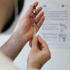La campaña de vacunación anti-covid llega al Hospital de Arriondas