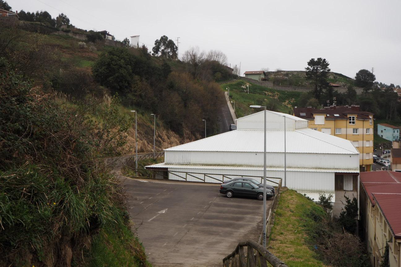 El PP de Ribadesella quiere que el aparcamiento de La Atalaya se realice de una vez por todas