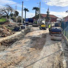 El Ayuntamiento de Llanes inicia la mejora del camino El Ranchito de Parres y concluye la ampliación del alumbrado en La Borbolla