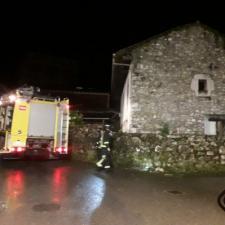 Sofocado el incendio de una casa en la localidad llanisca de Porrúa