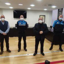 El Ayuntamiento de Ribadesella presenta a los tres nuevos agentes de la Policía Local