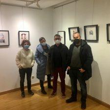 Pintura, ilustraciones, collage, fotografía y escultura en la VI Muestra Artística de Ribadesella