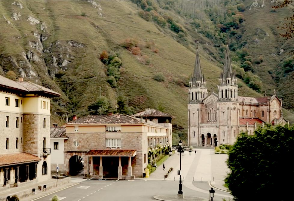 La Policía Local de Cangas de Onís controlará aforos y regulará el tráfico en Covadonga esta Semana Santa