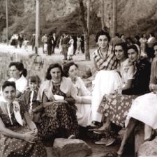 Los pueblos de la parroquia de Leces muestran en Ribadesella un siglo de recuerdos en blanco y negro