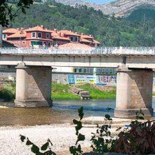 El Principado baraja tres alternativas para mejorar el puente de Arriondas
