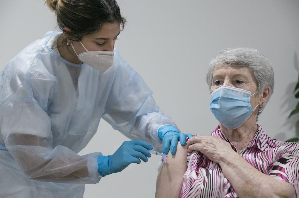 El Area Sanitaria VI ha administrado 9.491 dosis de vacuna anti-covid. Te detallamos la distribución por municipios