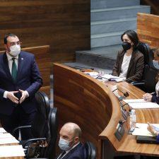 Barbón anuncia la ampliación de horarios para la hostelería y la reducción del toque de queda