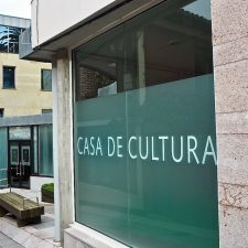 Pueblu acepta que Enriqueta González Rubín solo de nombre a la Biblioteca Municipal de Ribadesella