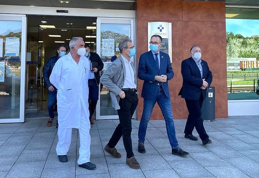 El Servicio de Salud instalará un 'vacunódromo' en el polígono industrial de Ribadesella para acelerar la inmunización de la comarca
