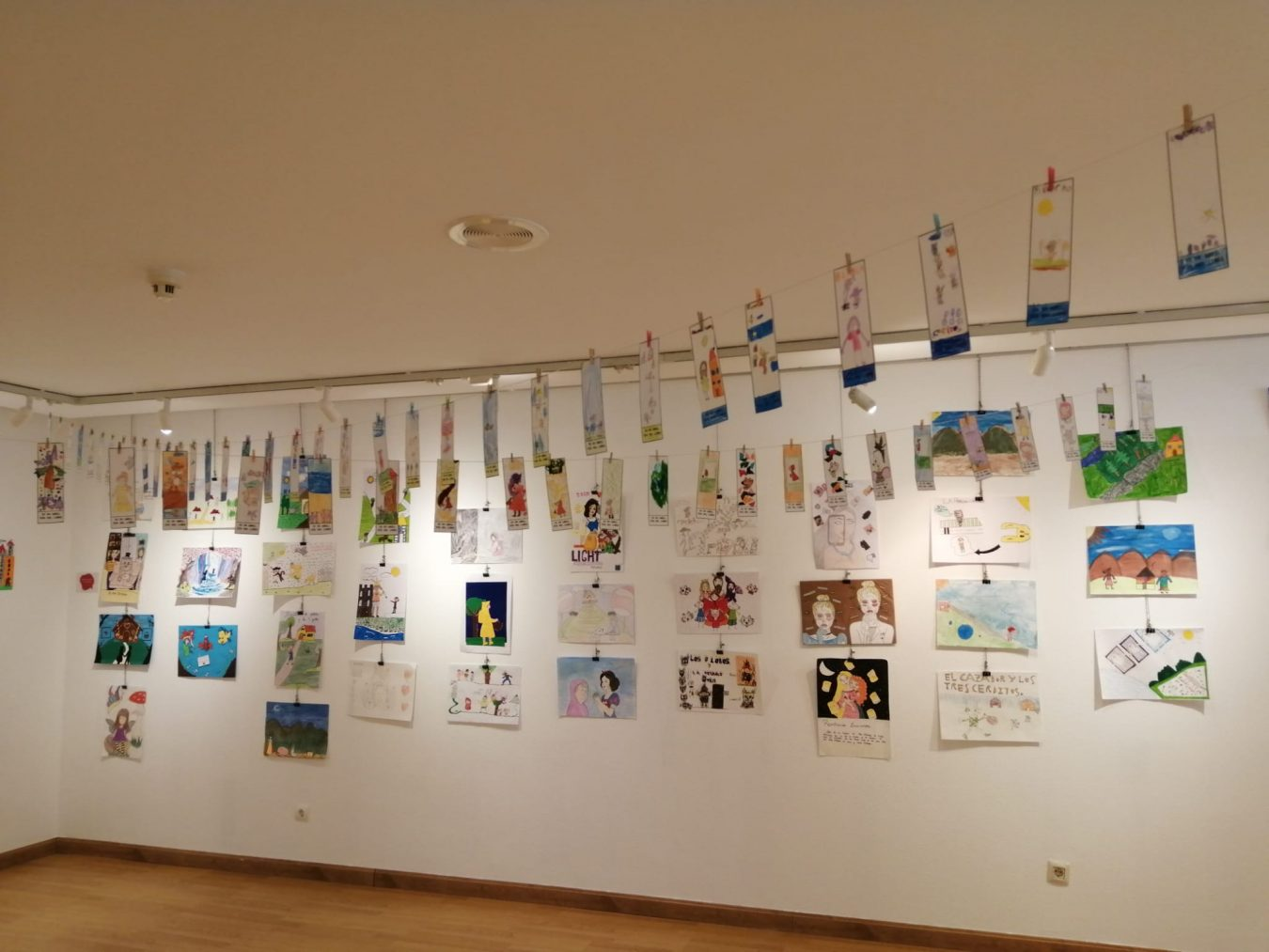 Ribadesella conmemora el Día del Libro con exposiciones, bebecuentos y cuentos musicales