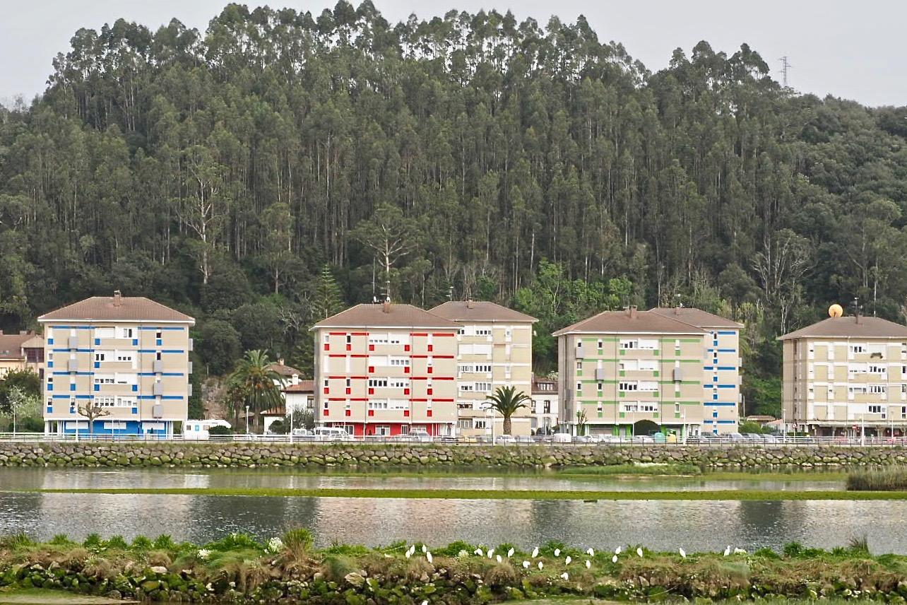 Seis bloques de El Cobayu aspiran a la única rehabilitación prevista para este año por el Ayuntamiento de Ribadesella