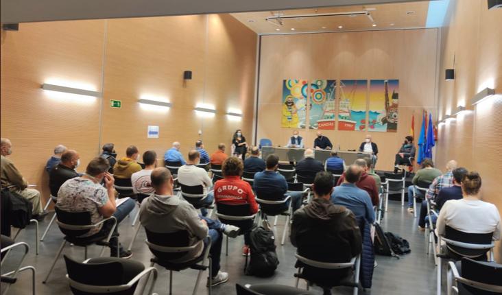 Miguel Gallo presenta a la Junta Directiva que dirigirá el piragüismo asturiano