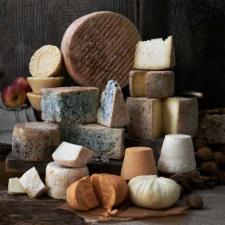 El Principado edita el catálogo de los quesos asturianos. ¿Sabes cuántas variedades de elaboran?