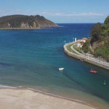 Cruz Roja Ribadesella rescata y remolca a puerto a otra embarcación deportiva averiada