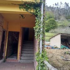 El PP de Colunga urge la reparación de la vivienda de la antigua escuela de Pivierda
