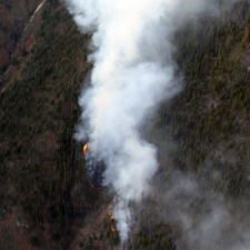 Ocho incendios continúan activos en Asturias, dos en el oriente