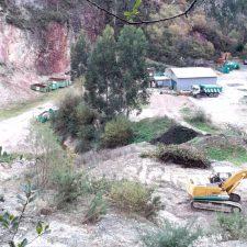La Confederación Hidrográfica abre un expediente sancionador por los lodos depositados en una cantera de Pimiangu
