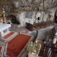 Dos pastores de los Picos de Europa leerán un poema a La Santina en el Día de la Madre