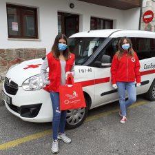 Los voluntarios de Cruz Roja Llanes acompañaron a 176 personas mayores durante el año pasado