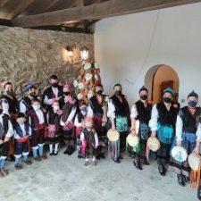 El riosellano pueblo de Toriellu honra a la Virgen de Fátima bajo mínimos