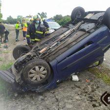 Una mujer resulta herida tras volcar con su coche en la A-8