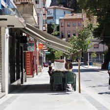 El Ayuntamiento de Ribadesella concluye la mejora de la calle Avelina Cerra, entrada natural a la playa de Santa Marina