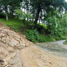 La carretera de Sardalla (RS-2) seguirá cerrada varios días mas después de retirar unas 800 Tn de barro