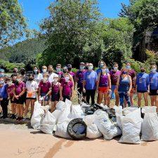 Retiran alrededor de cien kilos de basura del Sella en el Día Mundial de Medio Ambiente