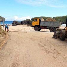 Este martes comienza el plan de limpieza estival en 25 playas del concejo de Llanes, adjudicado a FCC  para dos veranos
