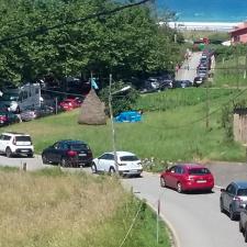 El Ayuntamiento de Ribadesella publica las normas de tráfico que regularán el acceso a la playa de Vega durante el verano