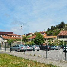 El PP de Ribadesella rescata para el debate el aparcamiento en altura proyectado junto a la estación de autobuses